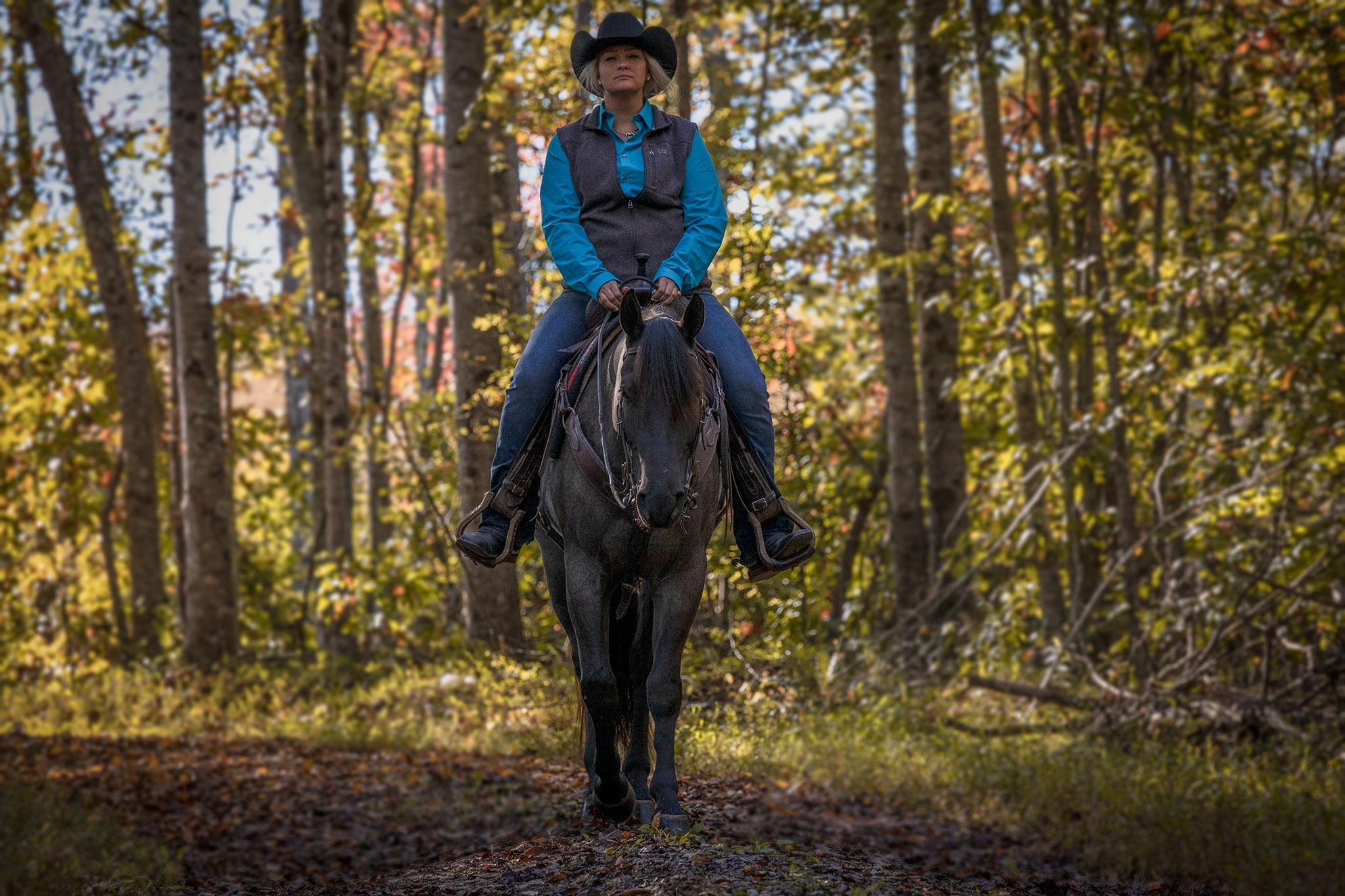 004-Gunsmoke-Luxury-Trail-Horse-For-Sale
